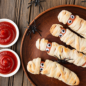 Sausage Mummies Halloween Treats